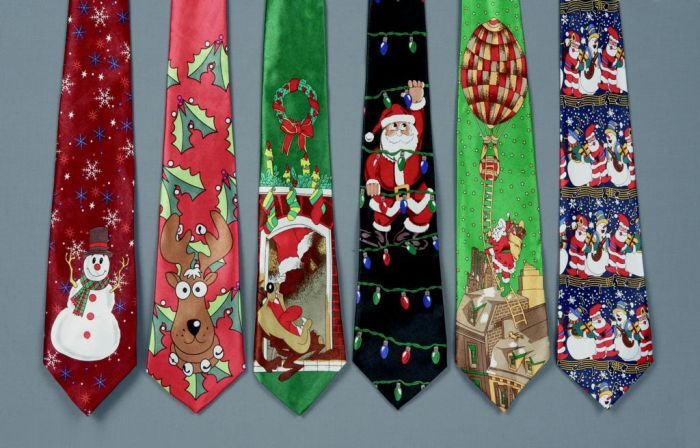 Battery Operated Musical Xmas Tie
