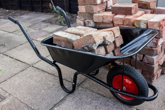 Ambassador Boxed Black Builders Wheelbarrow 90L