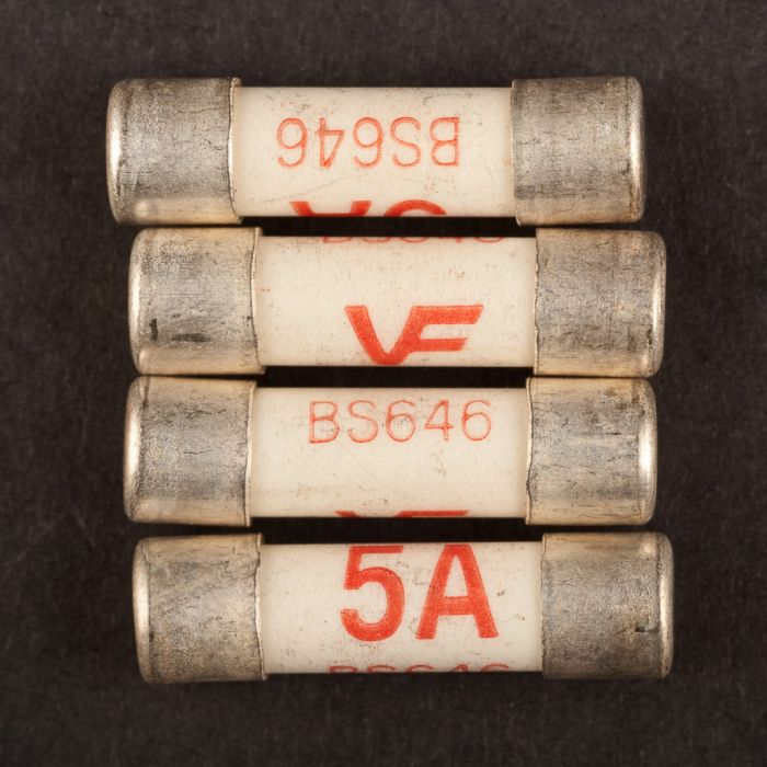 Dencon 5Amp Fuse To Bs646 Bubble Packed (4)