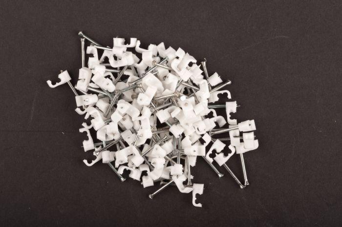 Dencon 5Mm White Flat Cable Clips Box 100 Box 100