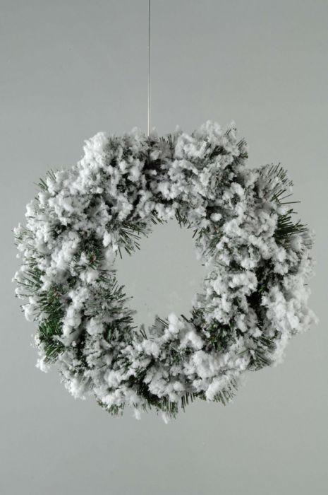 Snowy Abbott Wreath