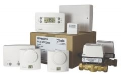 Danfoss FP715 zone valve pack including room thermostat and single channel receiver