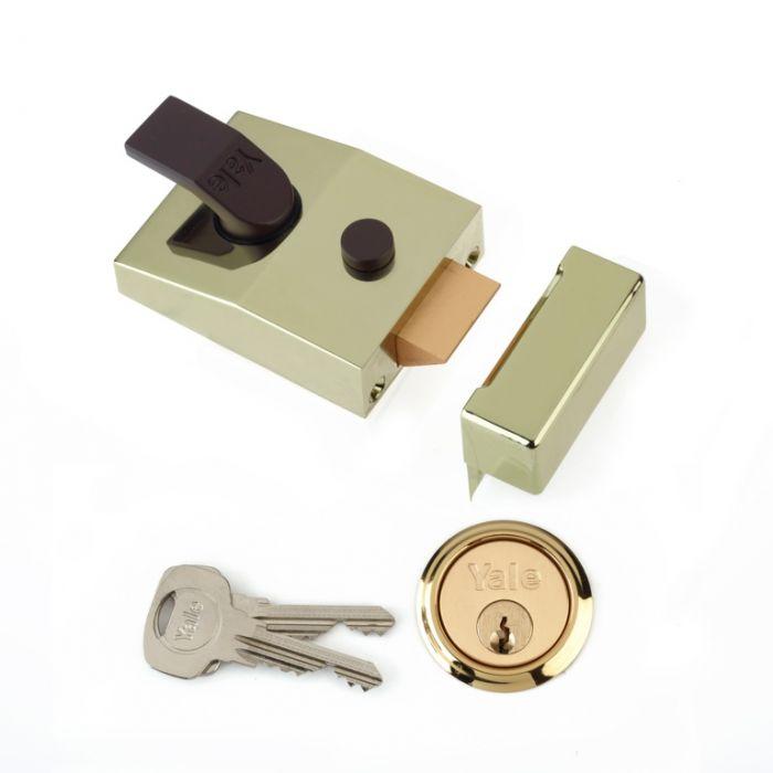 Yale Deadlocking Standard Nightlatch Security Lock Brasslux - 60mm
