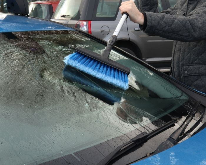 Streetwize Deluxe Brush Rubber Squeegee 1.8M