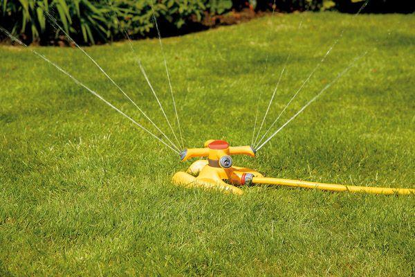 Hozelock Round Sprinkler Plus 254M�