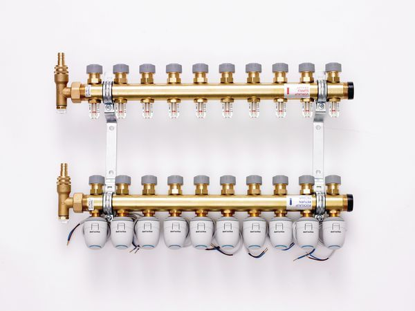 Polybld Polypipe under floor heating 10 port manifold 15mm