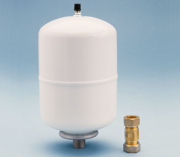 Ariston kit A expansion vessel and NRV 2 Ltr